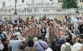 Piazza di Spagna e Campidoglio: Tony Domenici con la testimonial Mara Santangelo